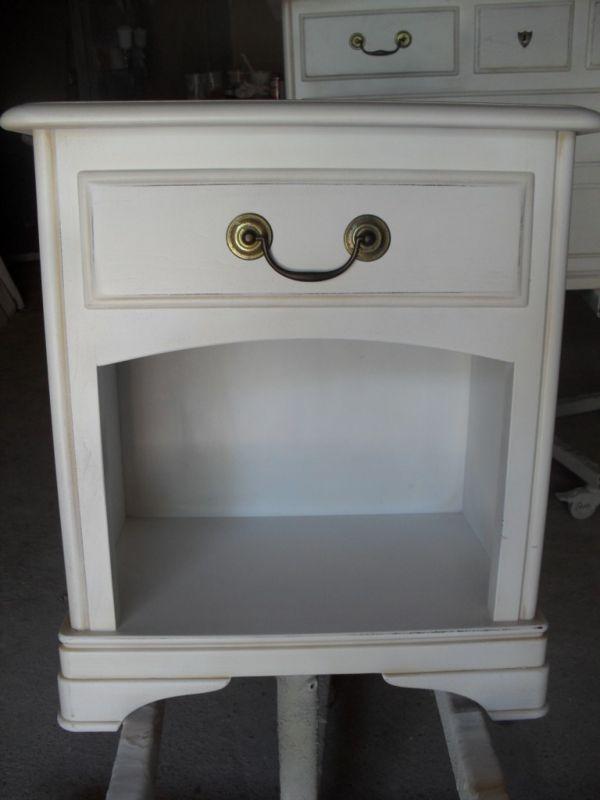 Chevet Style Louis Philippe En Merisier Patine Blanc A L